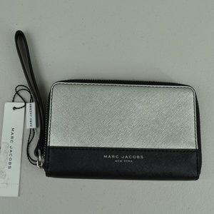 NWT Marc Jacobs Silver Black Wallet / Wrislet